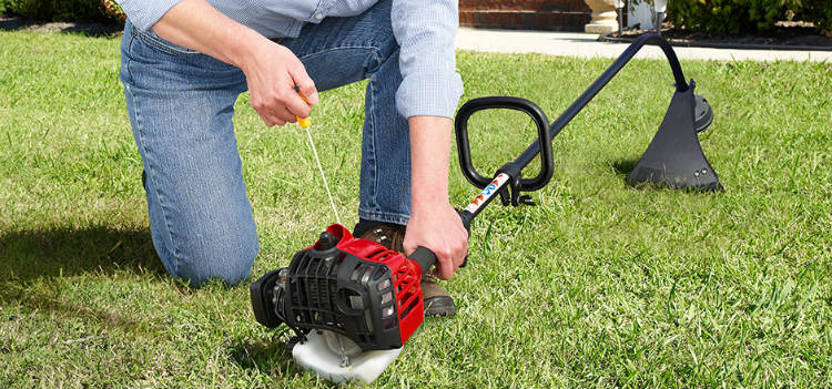 HOW TO PUT NEW LINE ON A WEED EATER
