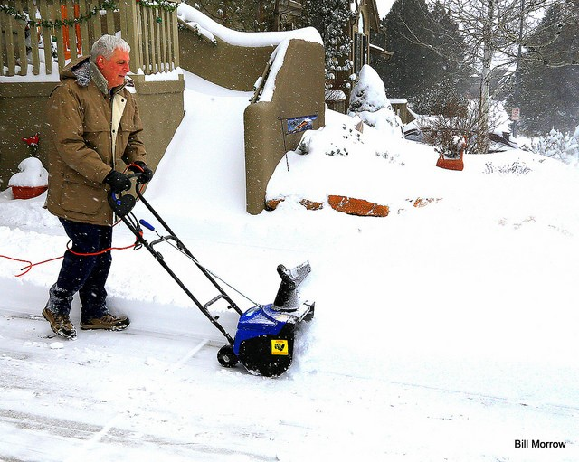 Compare Electric Snow Blowers : Best electric snow blower reviews for