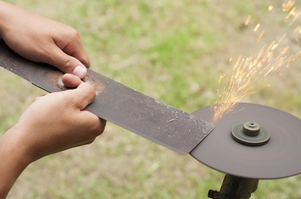 How to choose lawn mower blade