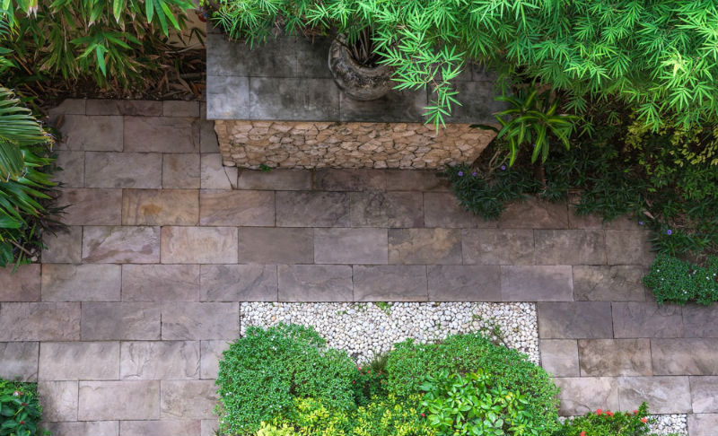 Maintaining the Flagstones In Your Garden