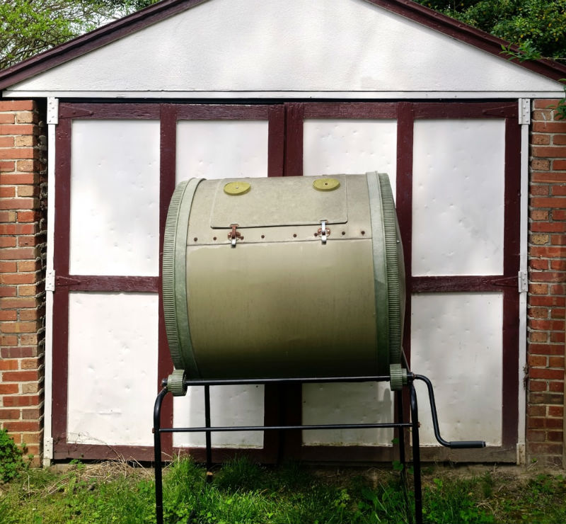 How to Select the Best Garden Composter