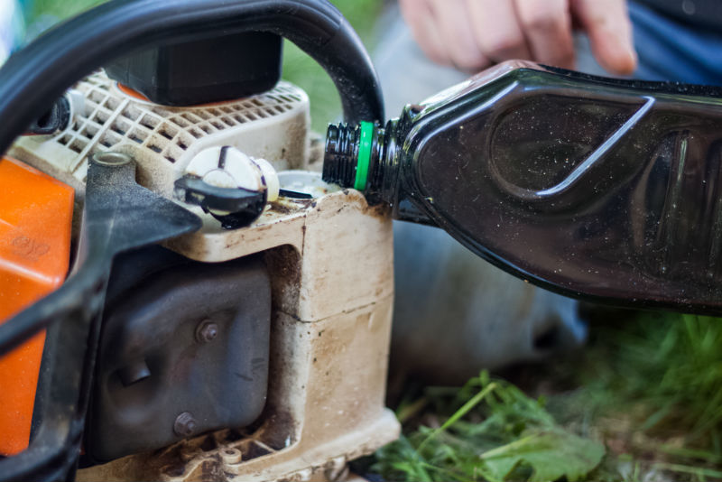 Filling Your Chainsaw with Fuel or Oil