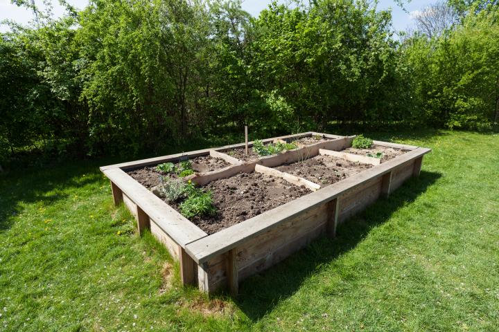DIY Raised Garden Beds - Almanac