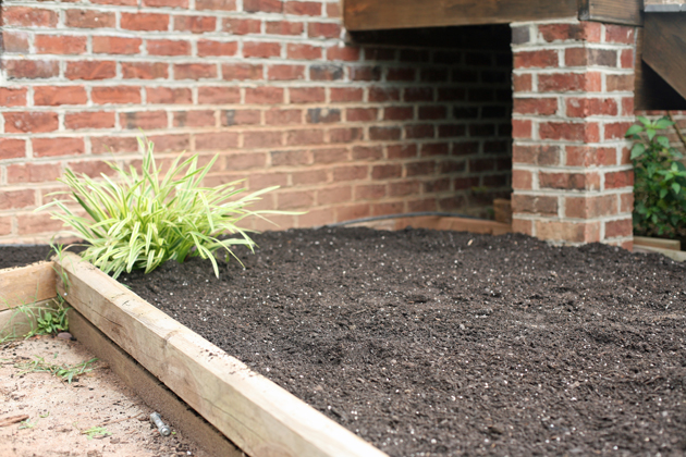 DIY Raised Beds from LadyLeesHome