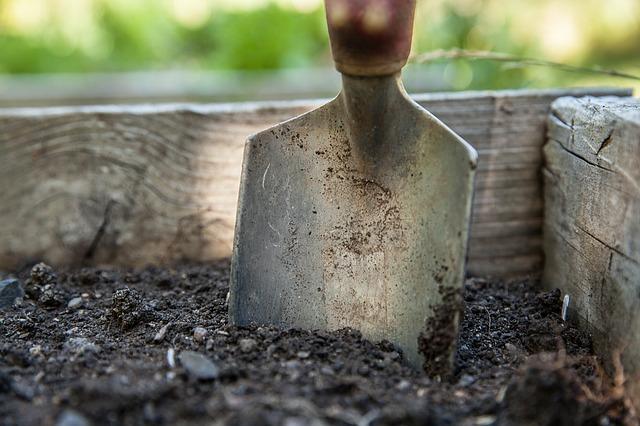 lawn sprinkler depends on soil type