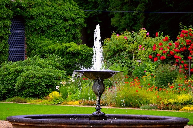 Considering The Size Of The Garden When Choosing Water Fountain