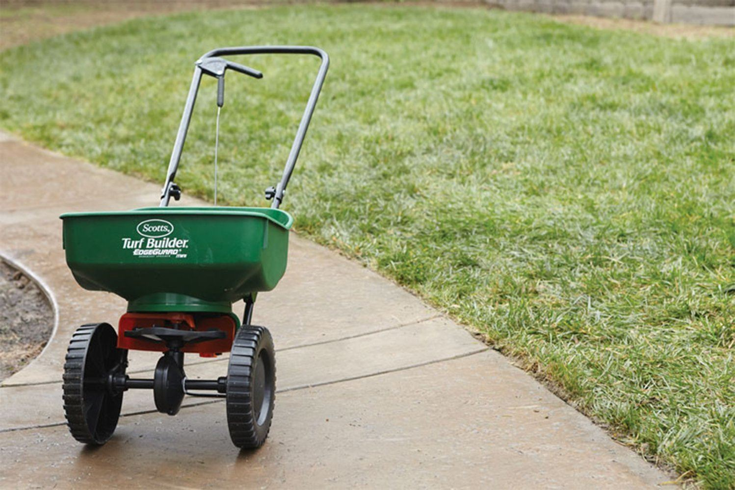 best mini broadcast lawn fertilizer spreader 2020