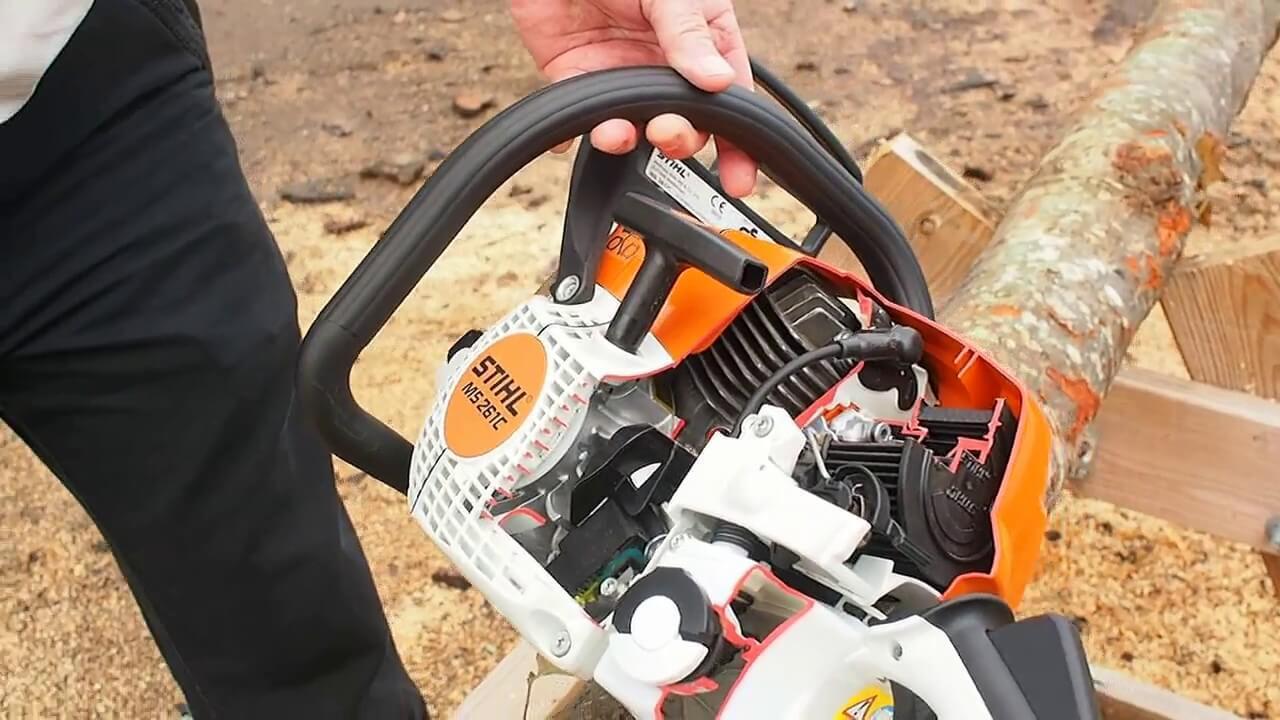 Checking chainsaw engine