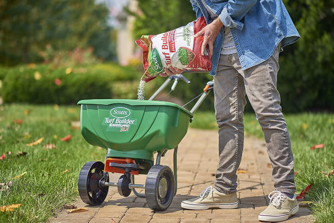 Give your grass just the right amount of nutrients to stay healthy