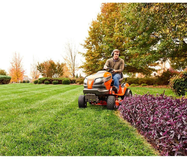 Riding Lawn Mower is essential for large lawn areas