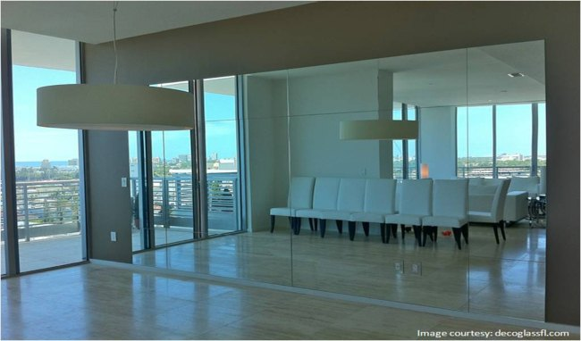 Using mirrors to make a room look bigger