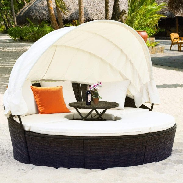 Outdoor Day Beds come in a variety of great designs and materials